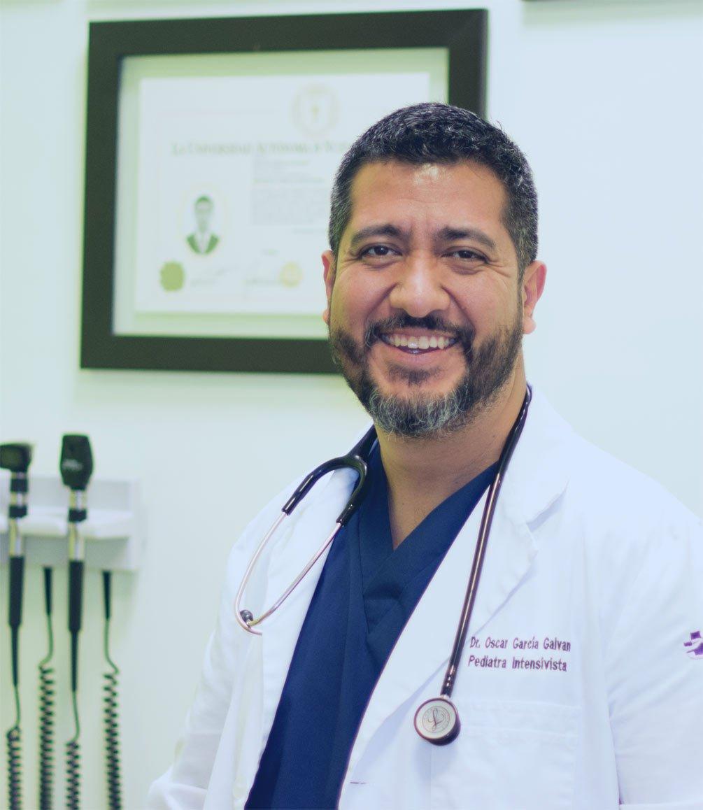 Aplicación de vacunas en Saltillo - Dr. Oscar García