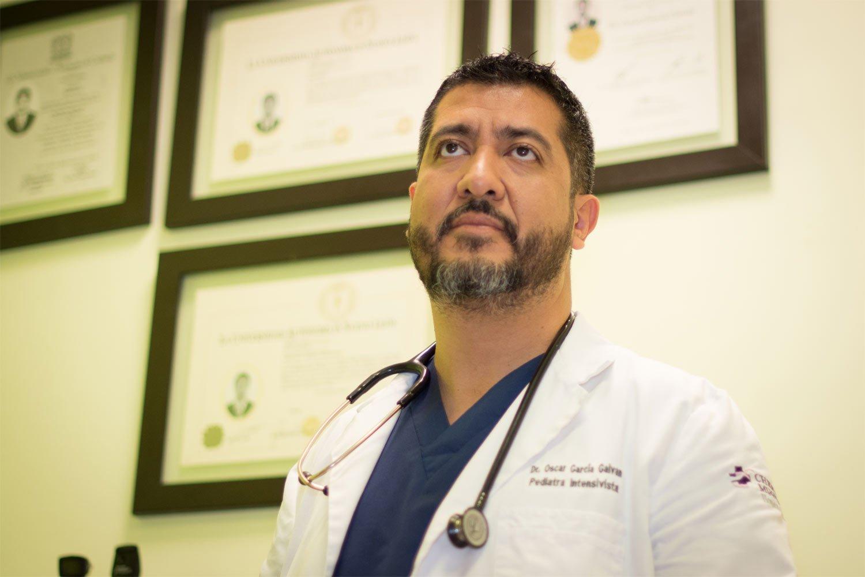 Dr. Oscar García - Pediatra Intensivista
